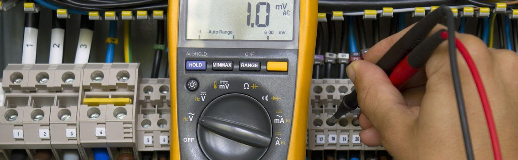 Electrical voltage measuring